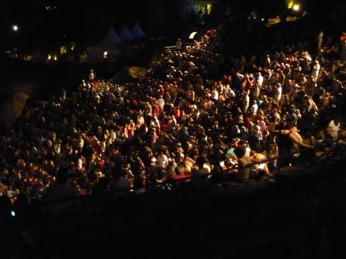 privilèges, concerts, nuits dfe fourvière,théâtre antique, placement, public, scandales et protestations